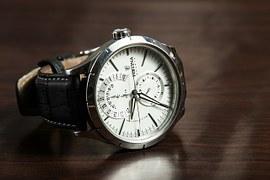 501-4-armbandsur-for-snygg-stil