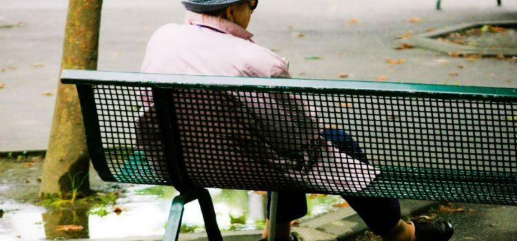Äldre behöver tidsenliga möbler